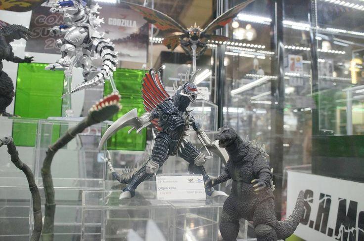new godzilla toys | Toy Fair 2014 – Tamashii Nations SH Monsterarts Godzilla