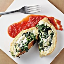 Spinach and ricotta roulade...healthy and festive vegetarian entree for Christmas!