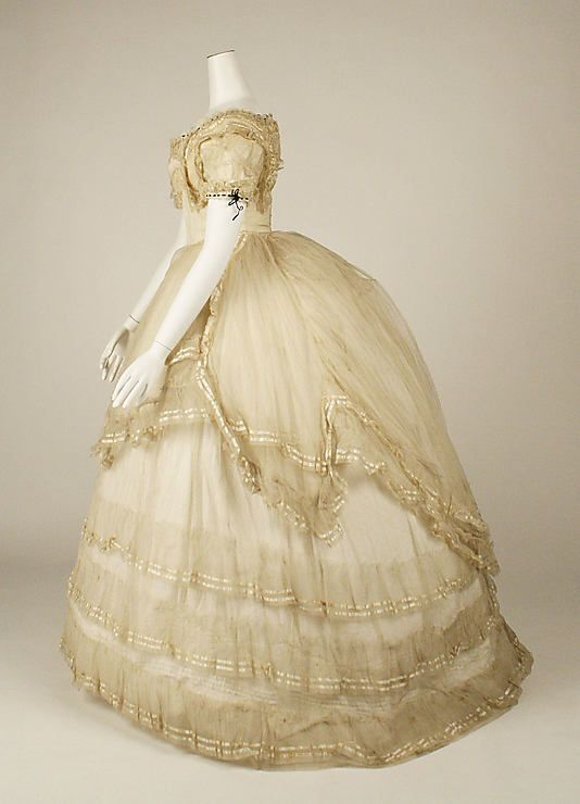 Ball gown, side view, 1869, British, cotton and silk ...