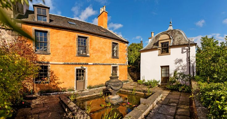 The six-bedroom house and a separate one-bedroom annex, on Calton Hill in the city's New Town, are on the market for $2.39 million.
