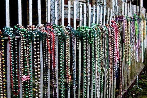 Mardi Gras beads.: Beads Beads, Fun Stuff, Travel Tips, Gras Travel, Carnival Mardi Gras Masquerade, Banquet, Apartment, Gras Beads, Fun Place