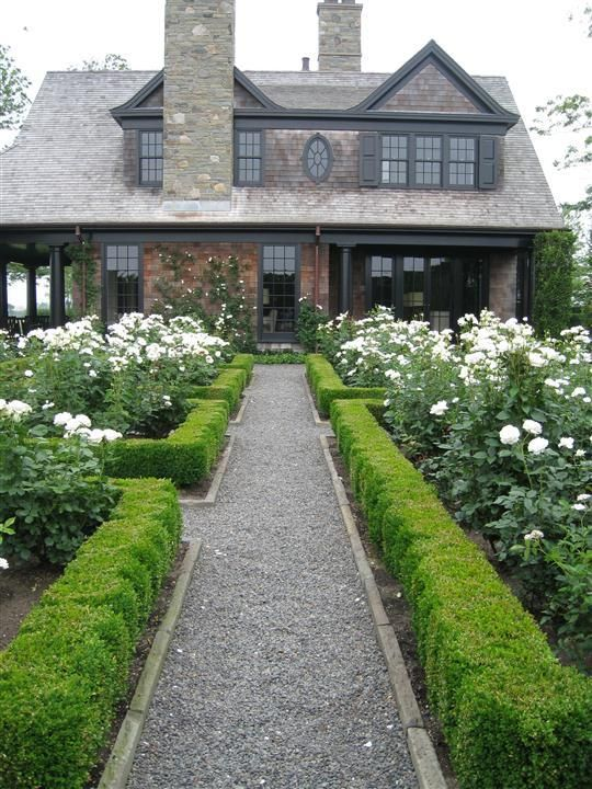 Gravel Paths Boxwood Parterres Lovely House Front