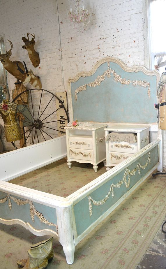 Wow what an amazing complete bed for your romantic boudoir. NIGHT TABLES SOLD SEPARATELY ALSO AVAILABLE WITH CHERUB MOTIF    FEATURES: Complete