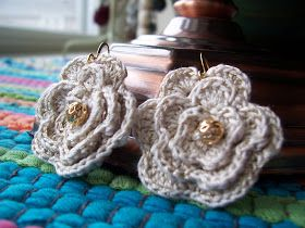 Outstanding Crochet: Crochet sparkling earrings.