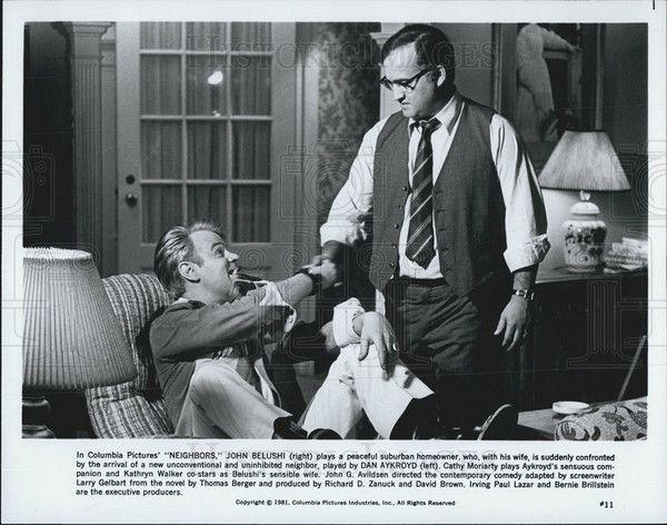 1981 Press Photo John Belushi Actor Dan Aykroyd Cathy Moriarty Neighbors Movie - Historic Images