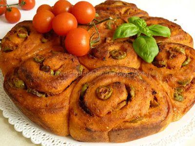 Le    ricette    di    Claudia  &   Andre : Roselline di pane alla pizzaiola, con olive verdi ...