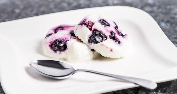 Une bouchée pour maman, une bouchée pour papa et le reste pour moi! La crème glacée qui vous apporte les protéines nécéssaire à votre journée!