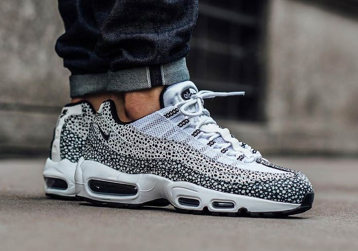 The Nike Air Max 95 is back and bolder than ever thanks to the addition of Tinker Hatfield's famed Safari print. The animalistic speckling can be found on basically every silhouette that Nike Sportswear has championed over the years, and here a … Continue reading →