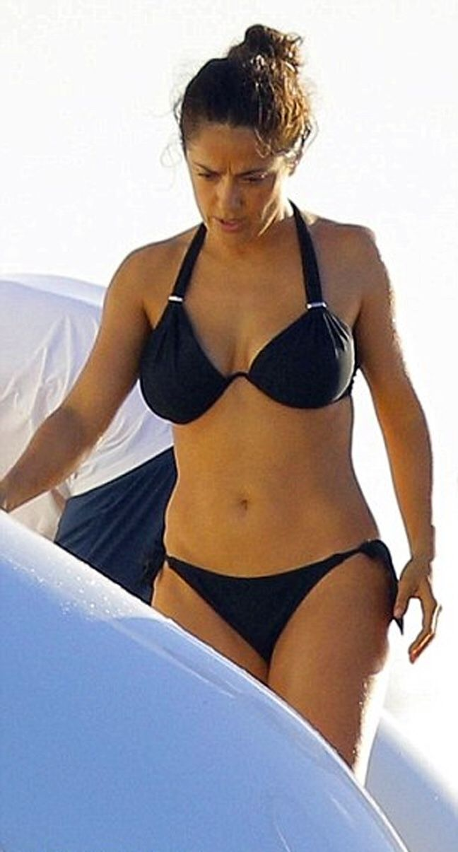 salma hayek bikini naha