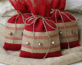 Bolsas de regalo de arpillera conjunto de CUATRO por FourRDesigns