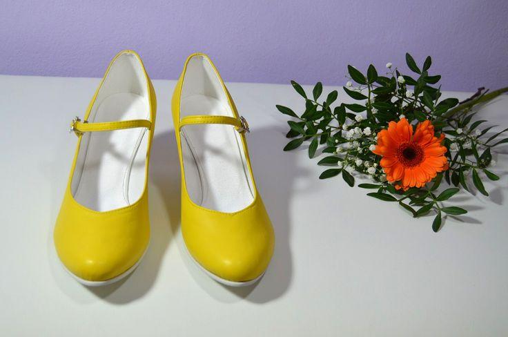 Žluté svatební lodičky, žlté svadobné topánky, lodičky,  Yelow bridal shoes, Pumps T-styl, model Venus Y Exkluzívní pravá kůže , real leather  . Navrhni a uprav si topánky podľa seba.