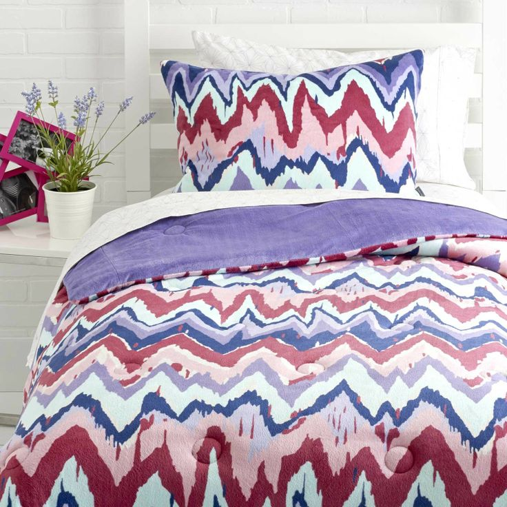 Paintica Chevron Comforter Set - The best of both simple and bold!