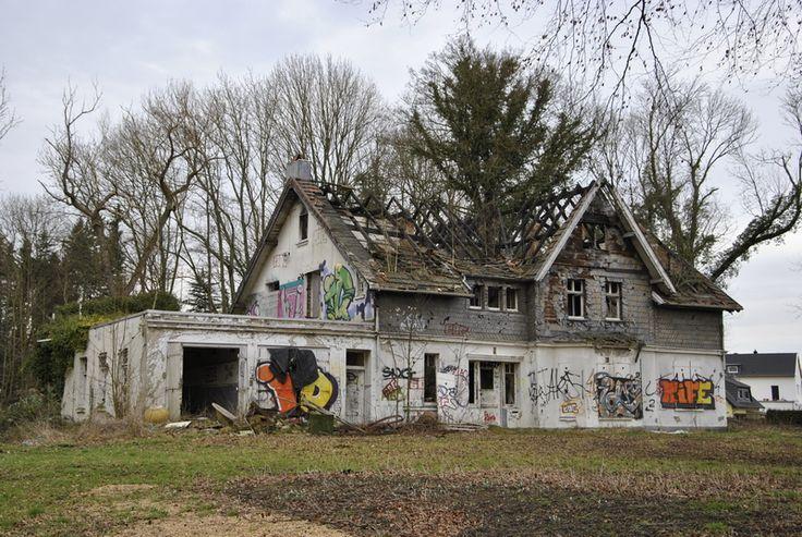 Haus Kurl ist ein früheres märkisches Lehen in Dortmund, bis 1915 wurde sein Name noch Courl geschrieben.