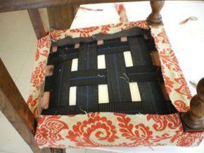 Tapizar una silla paso a paso  http://bricolaje.facilisimo.com/reportajes/otras-tareas/tapizar-una-silla-paso-a-paso_183661.html