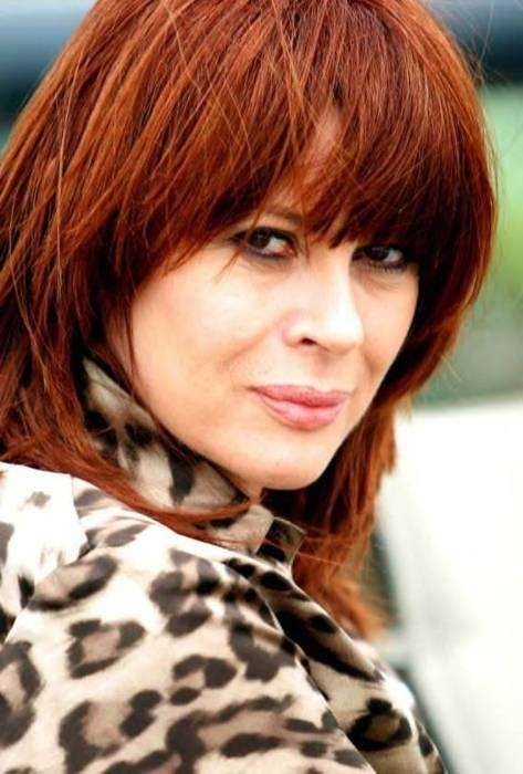 """Chrissy Amphlett, lead singer of the Divinyls (best known for the 90s hit """"I Touch Myself""""), has died from breast cancer/MS. Over the course of her career with the Divinyls, Amphlett released six albums and enjoyed success in her homeland of Australia as well as Great Britain and the US.  Amphlett was 53. (April 21st)"""