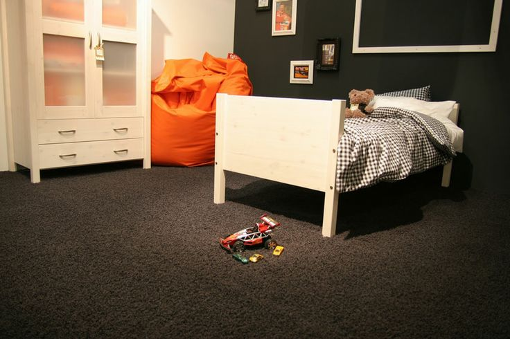 Tapijt is mooi zacht en comfortabel maar ook nog eens praktisch kinderkamer tapijt - Kinderkamer taupe ...