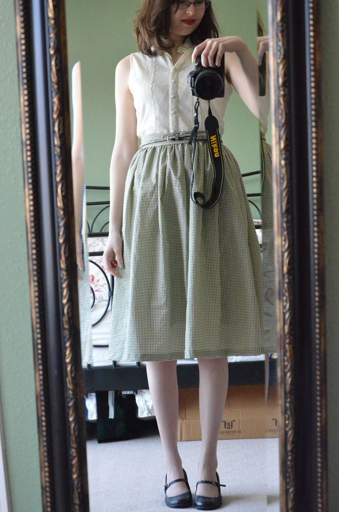 How to Dress in American 1940s Fashion -- READ THIS, IT HAS IT ALL!