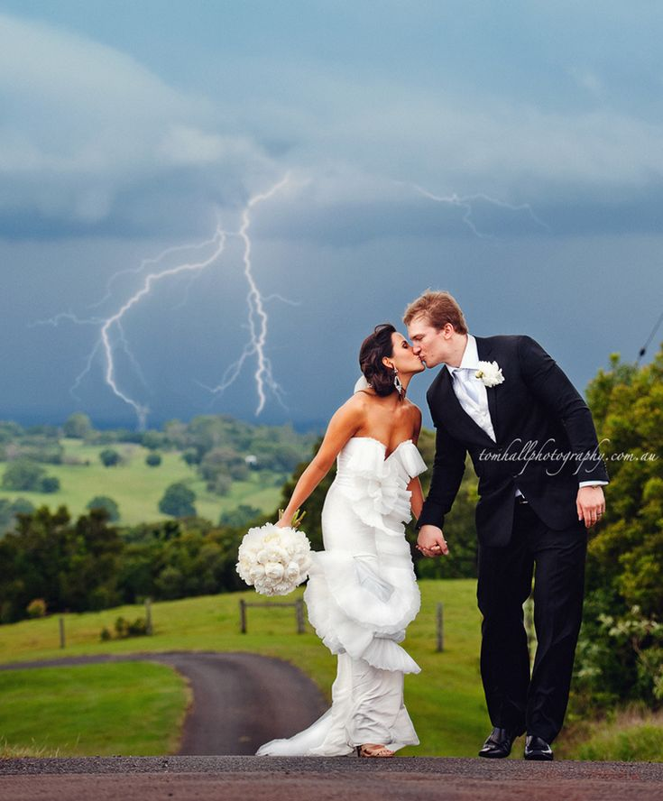 Maleny Wedding Photography with Master Maleny Wedding Photographer, Tom Hall