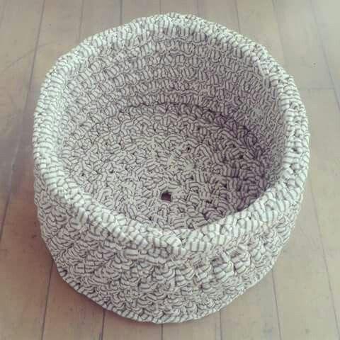Zpagetti / tshirt yarn / trapillo basket. Crocheted. Made of Bobbiny. Mamanufaktura creation.