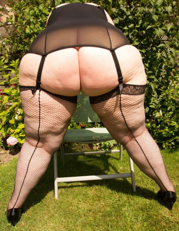 Wearing Fat Granny big bubble butt pictures