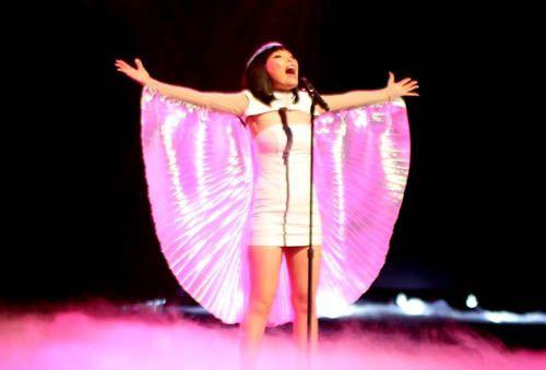 Dami Im – Purple Rain – The X Factor Australia 2013 Live Show - Zeibiz
