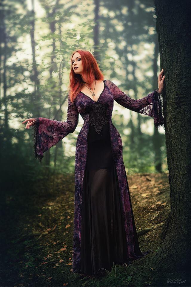 Model: Revena Dress: Devilnight Photographer: WikingArt - Fotografia Welcome to Gothic and Amazing |www.gothicandamazing.com