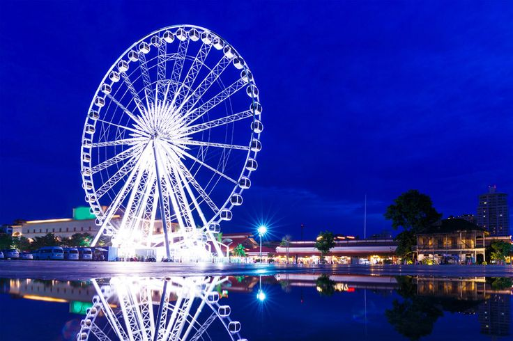 Asiatique the Riverside is a very popular night bazaar for locals and tourists