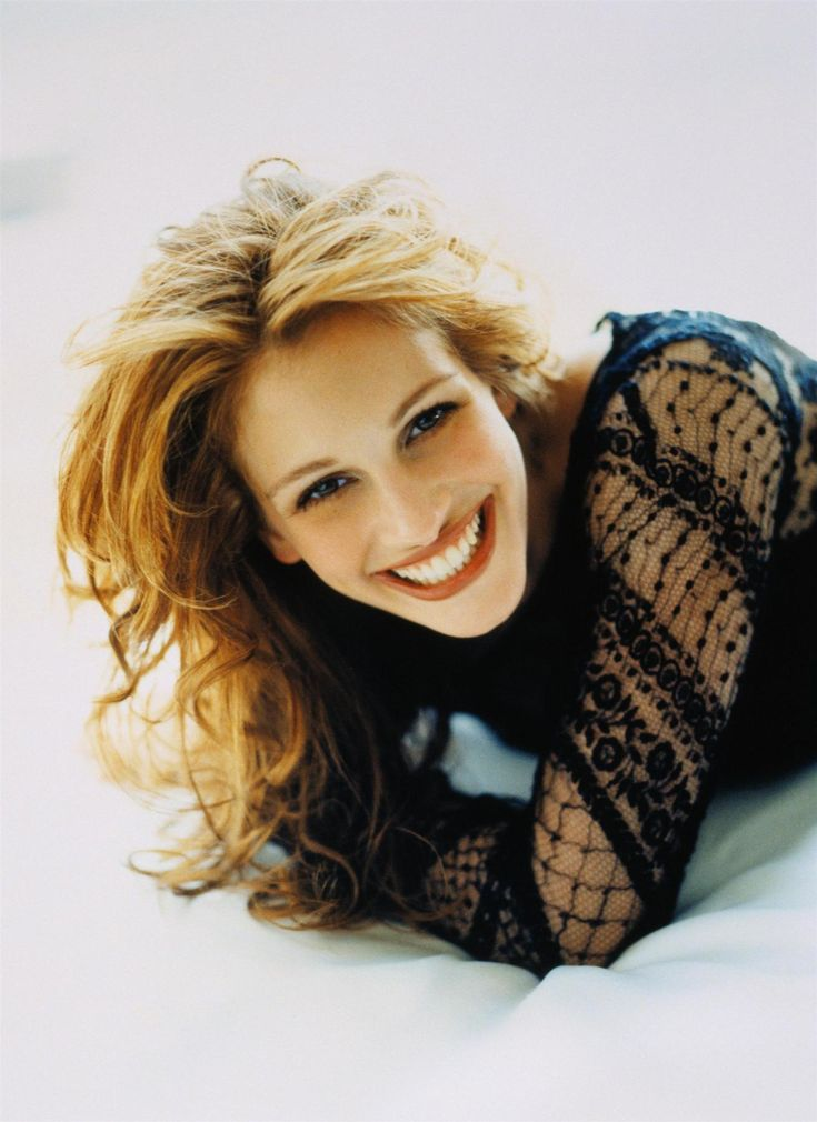 Julia Fiona Roberts (born October 28, 1967)[2] is an American actress and producer.