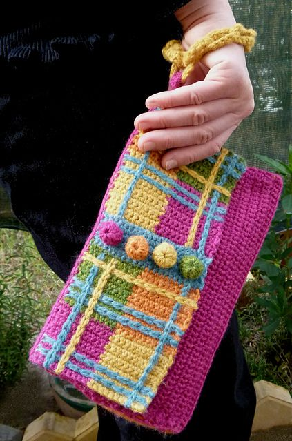 Ravelry: Plaid Wristlet Purse pattern by Shelby Allaho