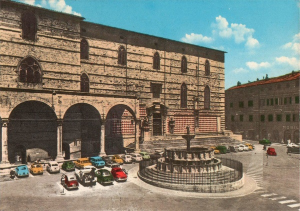 Perugia, Italy - 60s Postcard (The Cathedral and Main Fountain)
