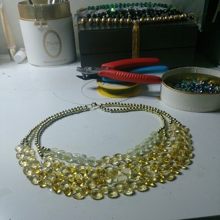 Yellow crystal and glass layered necklace