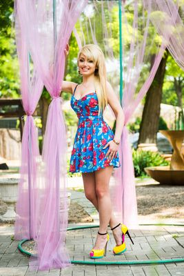 Dating adult bikini brides in Brisbane