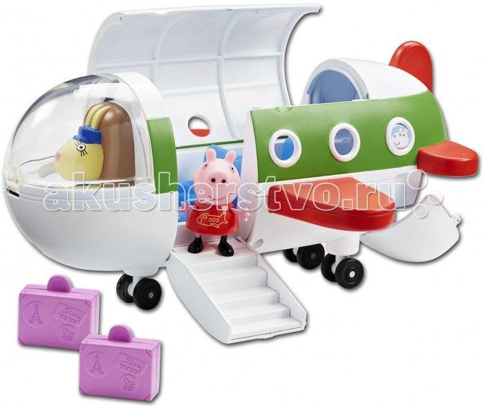 Peppa Pig Игровой набор Самолет с фигуркой Пеппы  Свинка Пеппа отправляется в отпуск на самолете. Положив 2 чемодана в багажное отделение, она поднимается по спущенному трапу и комфортно размещается в трехместном салоне, каждое кресло которого создано для Пеппы и ее друзей. Двери закрываются, и самолет отправляется с новый игровой рейс по волнам фантазии вашего малыша, во время которого кроха будет развивать воображение, координацию движений, речевые навыки и многое другое.  В наборе Самолёт…