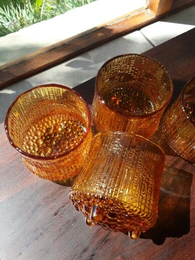 Ultima Thule Finnish amber glasses. Tapio Wirkkalan klassikot, hieno väri, harvinainen - Iittala, made in Finland.