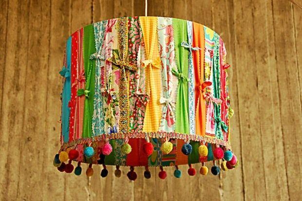 Vous l'aurez compris, notre article d'aujourd'hui se penche sur l'abat-jour qui aime à la fois surprendre et rester fidèle à la tradition.