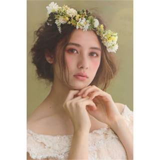 ... Rei weddingの撮影でミルラシュエットの花冠を使って頂きました♪ とっても可愛いモデルさんに、とっても可愛いスタイリング♡ うっとり♡…