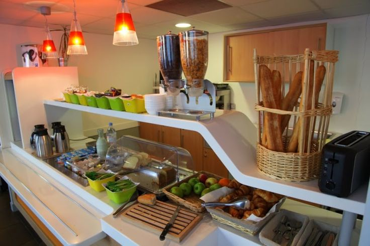 Petit déjeuner à l'hôtel Ibis Nantes aéroport http://www.ibis.com/fr/hotel-7070-ibis-budget-nantes-reze-aeroport/index.shtml