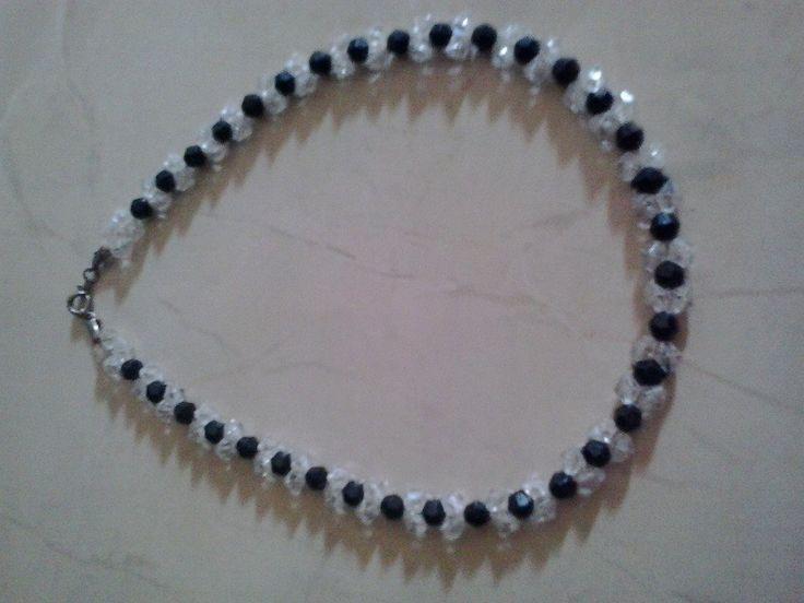 White Black Harga : 35.000 IDR