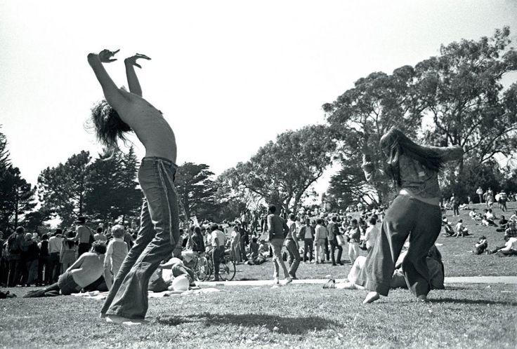 #Musica e #droga, binomio celebre: ma fino a che punto il boom psichedelico di fine anni '60 è andato a braccetto con gli allucinogeni? Scopriamolo oggi su Pequod!