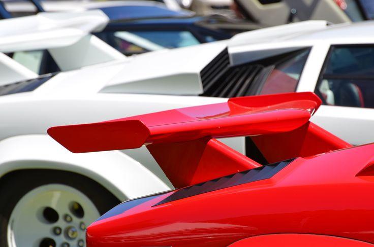 red, white & blue (© Claus Mueller) http://www.classicmotourist.blogspot.de/2014/08/monterey-car-week-2014.html