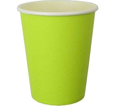 Kubeczki papierowe np. w kolorze zielonym. Im więcej kolorów- tym lepiej! Nie dopuszczajmy do nudy na stole.