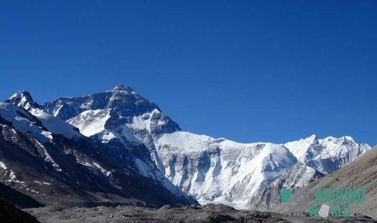 Der Mount Everest (Qomolangma) – der höchste Berg der Welt (8.848 Meter)