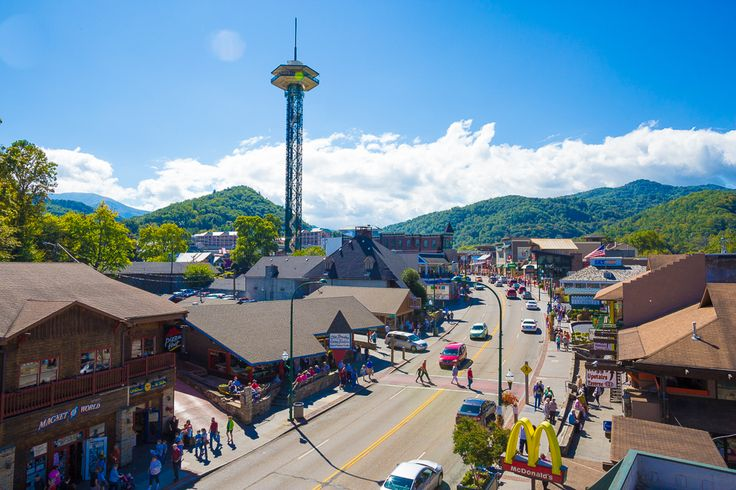 Are you planning a trip to the Smoky Mountains? This Gatlinburg vacation guide will help you plan the perfect vacation!