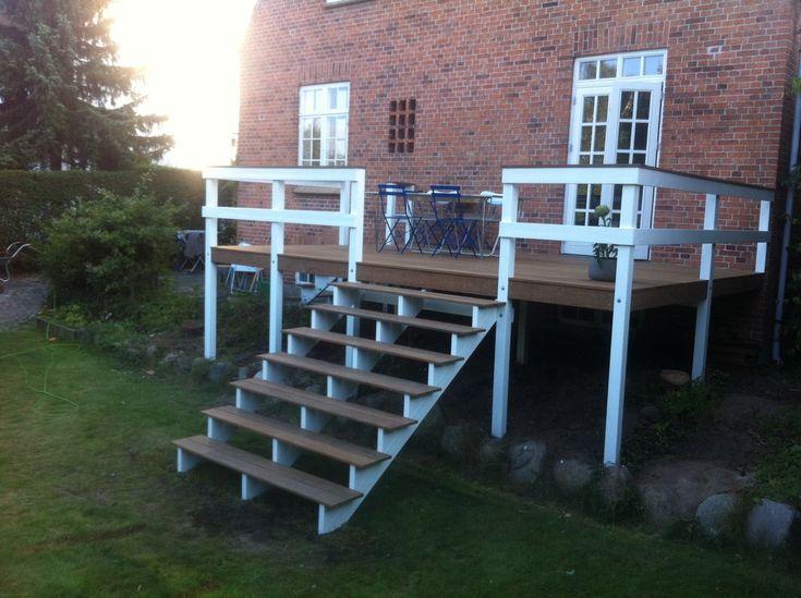 Høj terrasse til min havestue