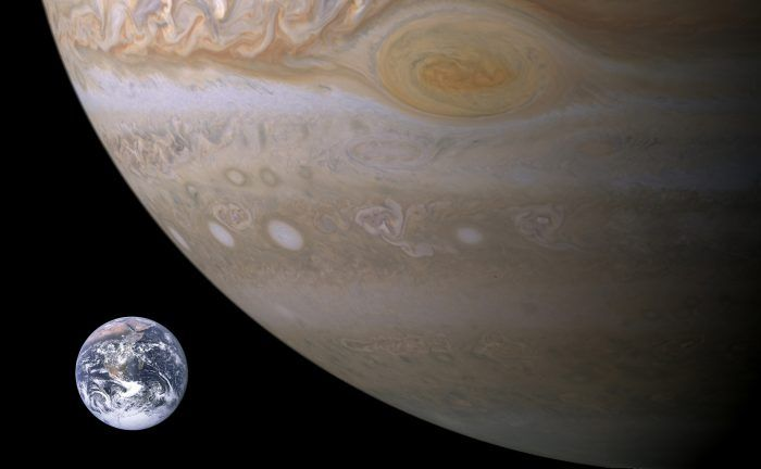 Jupiter Compared to Earth @storybywill http://www.universetoday.com/22710/jupiter-compared-to-earth/ …