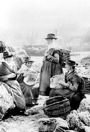 Tenby, Fishwives 1890
