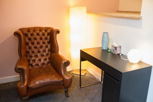 The Bandler Room at the Sheffield Wellness Centre is ideal for talking therapy sessions. If you are looking to hire a consulting room we have this room and others available on an ad hoc basis. Click the image for details