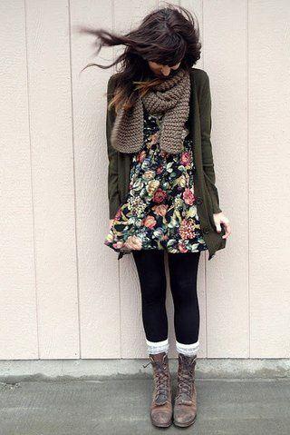 c'est une tenue aussi parfait pour le automne. j'aime la écharpe. elle regards très chaud.