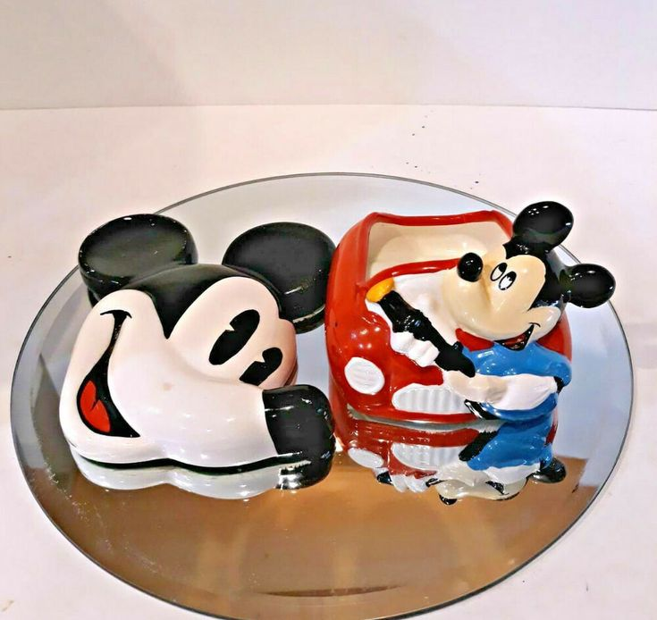 Disney mickey mouse items home decoration figurine holder