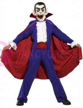 Het Dracula Halloween kostuum bestaat uit:    Een paars topje met een witte voorkant.    Een paarse broek met een donkerrode tailleband.    Een rode/paarse cape met een opstaande kraag.    Een luxe enge vampier masker met een open mond.